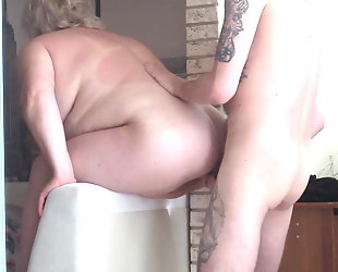 attached to the mother-in-law and fucked her with cumshot on her ass